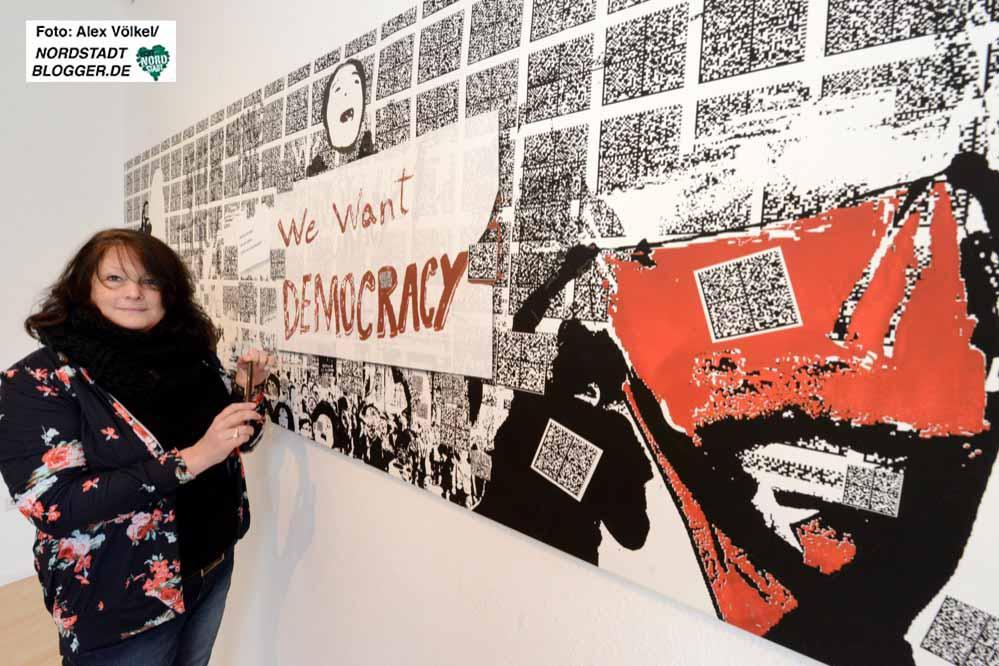 """Die Iserlohner Künstlerin Brigitte Felician Siebrecht hat in """"We 're readable"""" QR-Codes eingebettet. Fotos: Alex Völkel, Nordstadtblogger"""