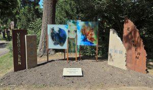 Ein neues Mahnmal auf dem Südfriedhof erinnert an Pogrom-Opfer